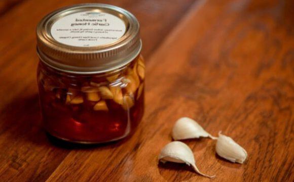¿Cómo preparar el antibiótico natural de ajo y vinagre de manzana?